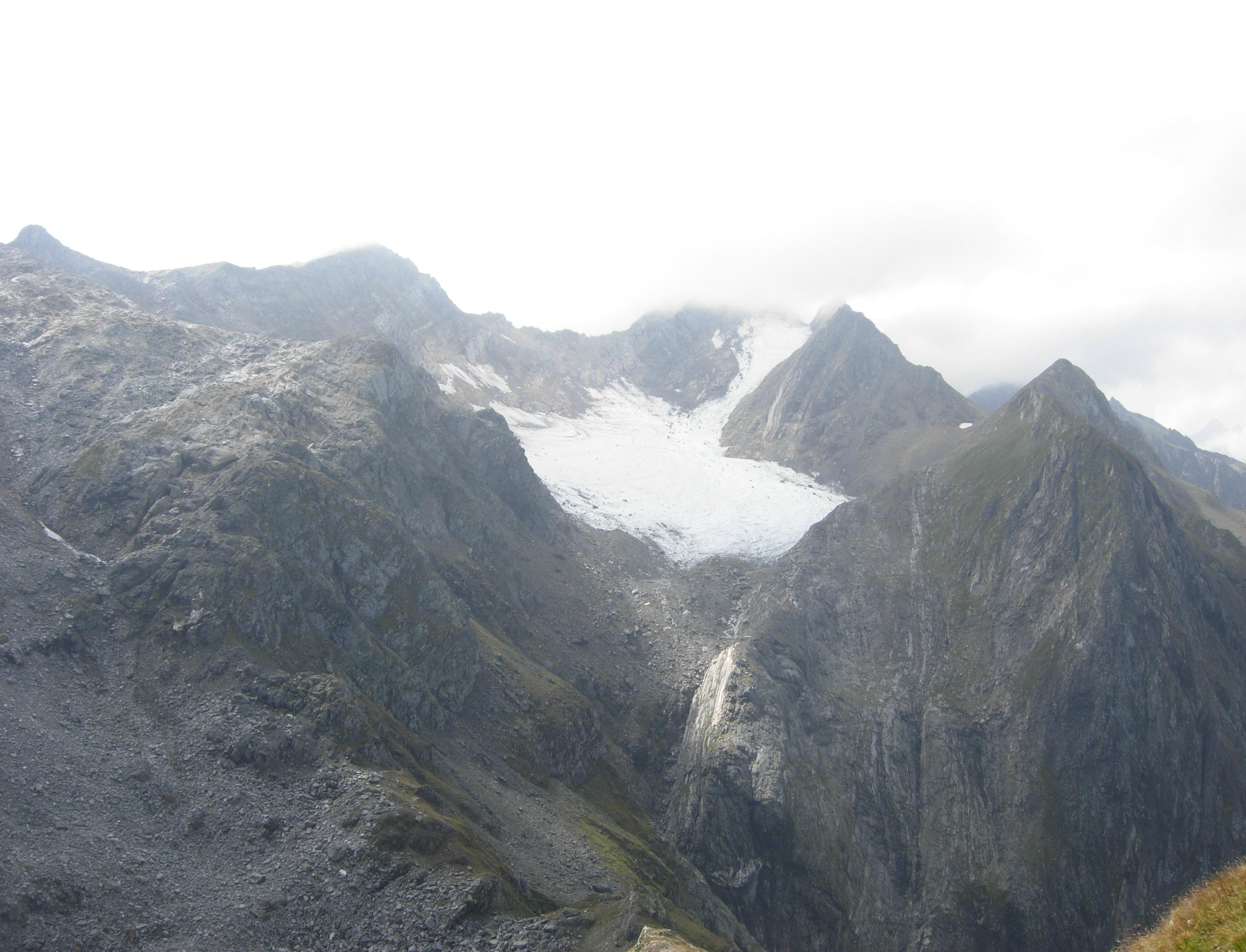Il Ghiacciaio del Valleggia visto dalla Val Cassinello