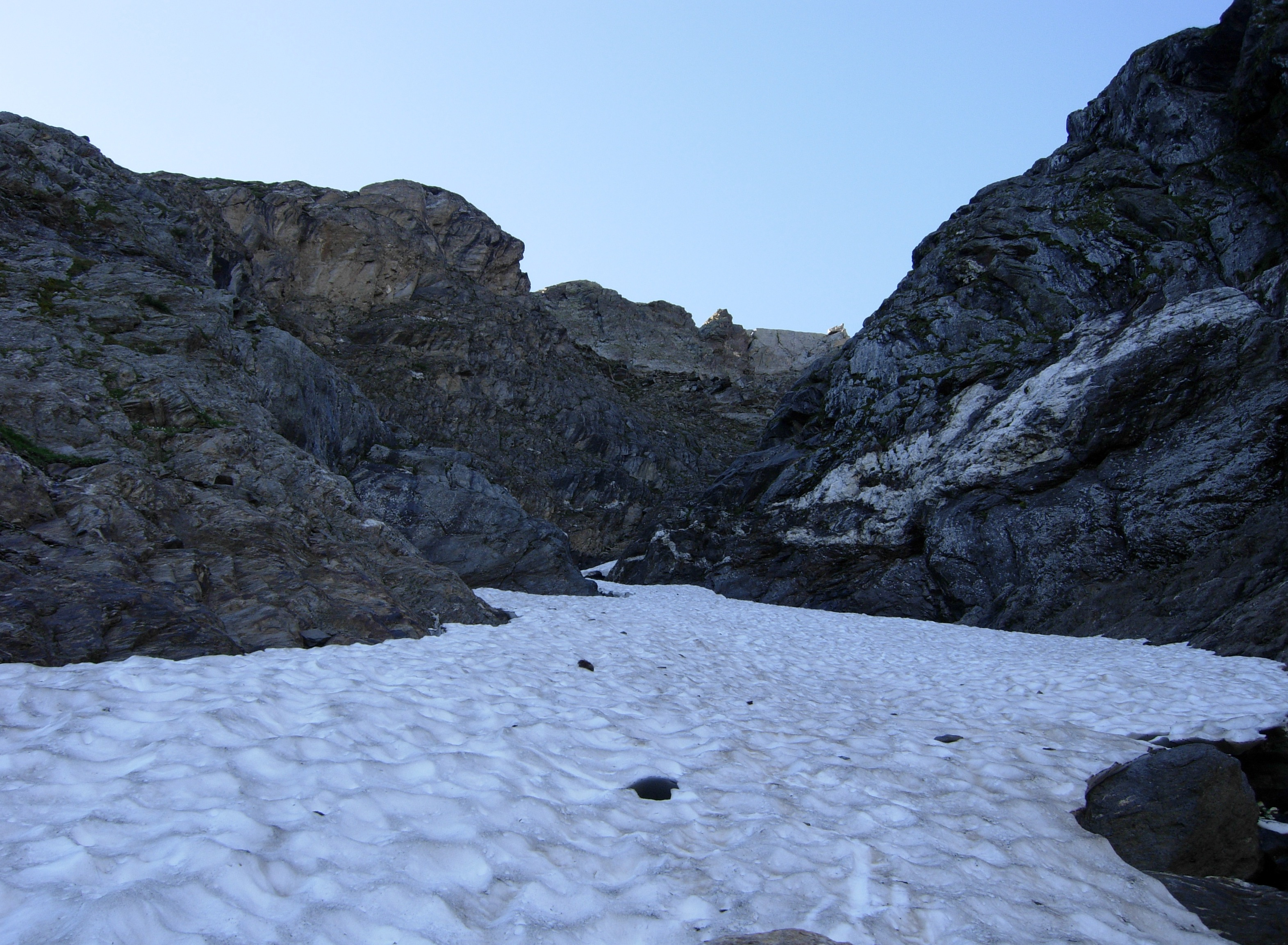 Salita nella gola che conduce al ghiacciaio...